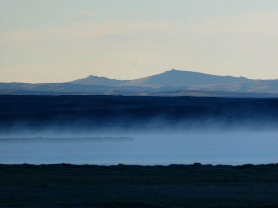 Nebel am Morgen über dem Song Köl See